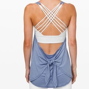 Lululemon tied in energy tank 2 in 1 tempest blue